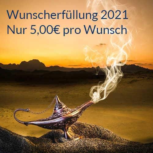 Wunscherfüllung 2021 goldfarbene Wunderlampe im sand einer aus der rauch austritt Nadja Hafendörfer spirituelle Lebensberatung und Quantenheilung